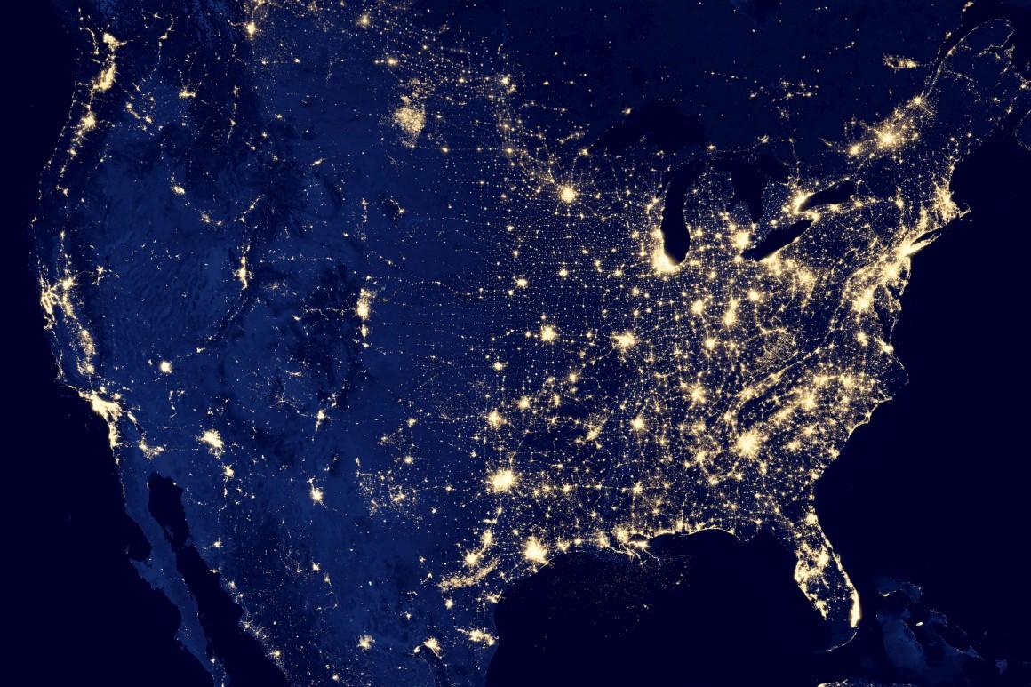 A Terra Vista 224 Noite Do Espa 231 O 233 Um Mundo De Luz E